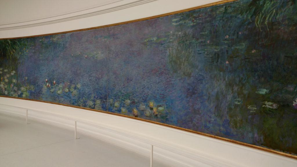 Claude Monet's Water Lilies in Musée de l'Orangerie